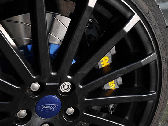 Pumaspeed Focus rs Mk2 2009 AP 362 brake kit close up